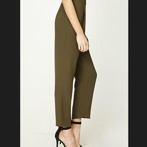 High waisted Pleated Pants NWT