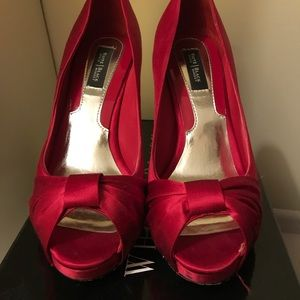 White House black market ray red satin pumps