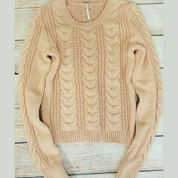 d9fac1dc23f384 Free People Sweaters - Free People Peach cable knit crop top sweater