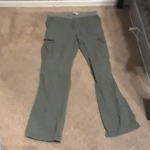 Old navy XXl (18) green and gray joggers
