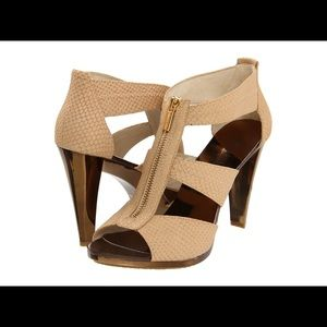 Michael Kors Berkley Chunky Heel Sandal Size 10