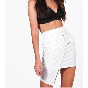New white ring asymmetric skirt