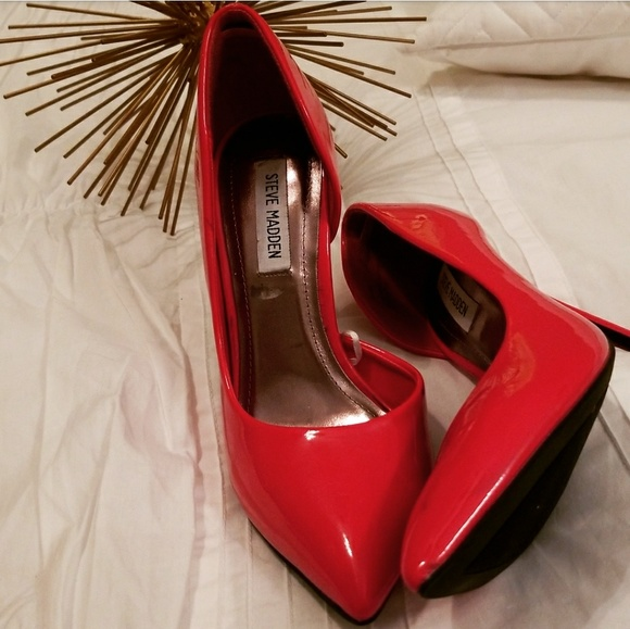 4ffb0ed55f1 Steve Madden Shoes - Daisie Pointy-Toe Pump