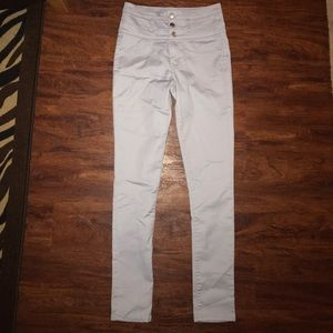 Refuge size 6 High Waisted Jeans