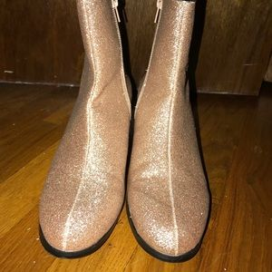 Forever 21 Shoes - Gold glitter booties