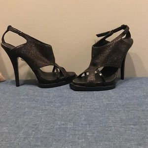 Givenchy Heels Like new Beautiful Heels size 39