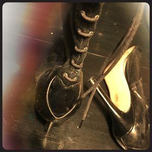 XOXO Black heeled boots with drawstrings
