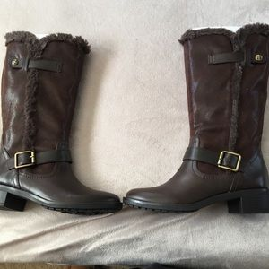Women's Dark Brown Leather Boots (with fur)