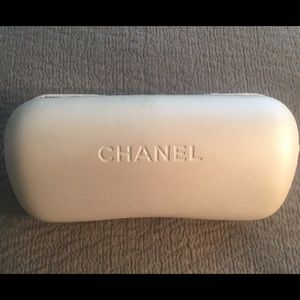 CHANEL XTRA LARGE WHITE PEARL SUNGLASSES HARD CASE