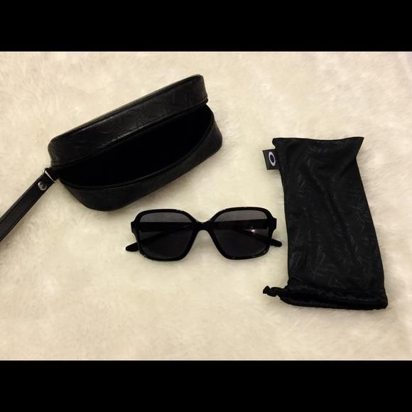 a9b05a4ae53 Oakley Accessories - Women s Oakley s