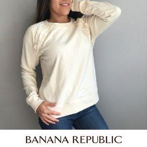 Banana Republic cream sweatshirt 🍌