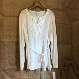 Liz Lange cream bohemian top