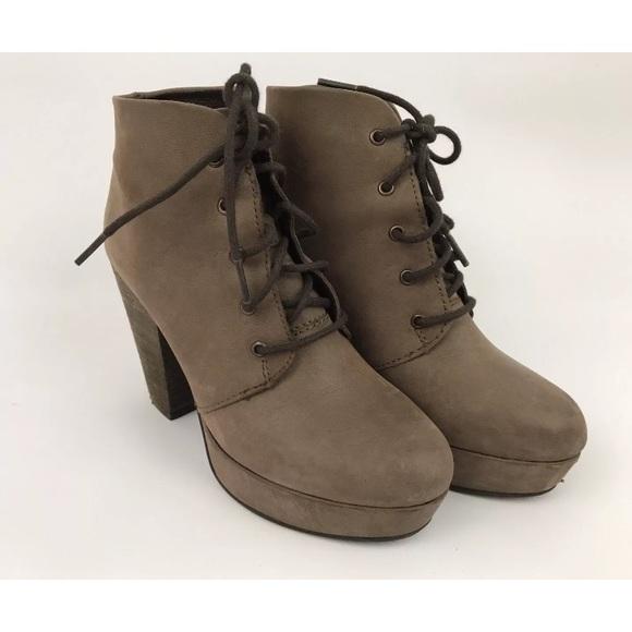 8013b7de7c8 Steve Madden Platform Boots sz 6.5 Leather Ankle. M 59bff4bec6c7959b320167f6