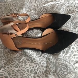 Dolce Vita black and tan flats