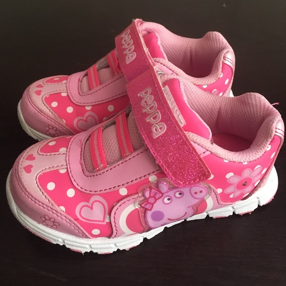 Girls Peppa Pig Size 10 Light Up Shoes