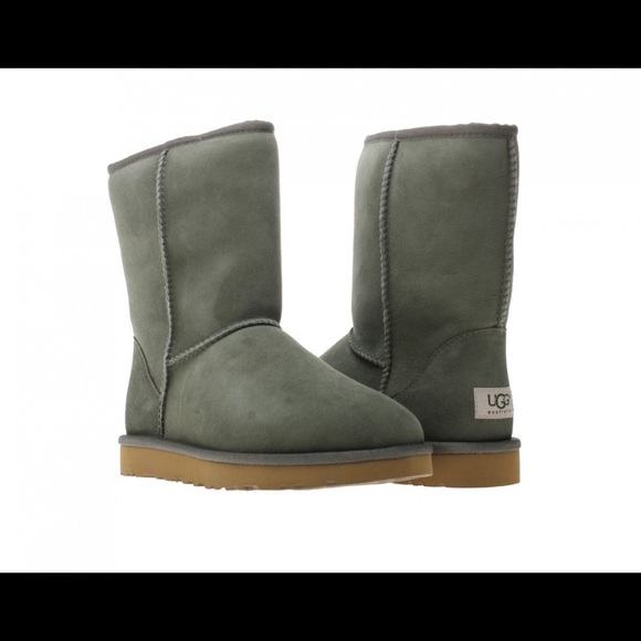 c5f01236be6 Olive Green Short Ugg Boots