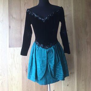 Vintage SCOTT MCCLINTOCK OFF SHOULDER  DRESS