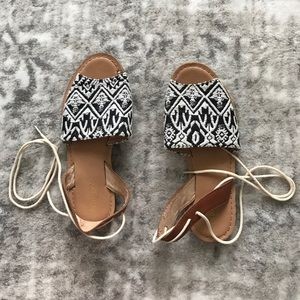 Women's size 6 Old Navy sandals
