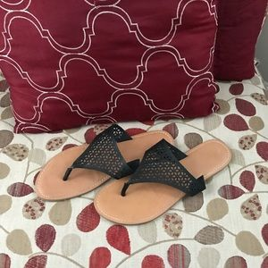Mossimo Cage patterned flip-flops