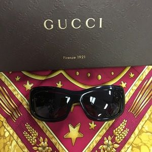 Authentic GUCCI SUNGLASSES black