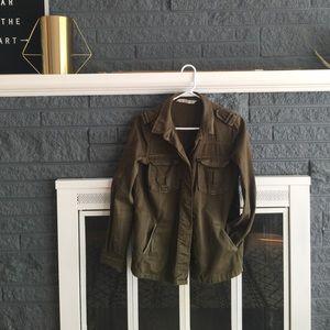 LIKE NEW ZARA military jacket ✨