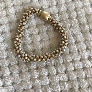 Like new pearl bracelet 🍌 banana Rep.