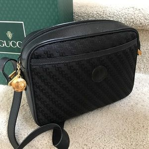GUCCI Vintage Signature Cross Body Bag