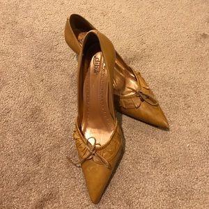 Diba tan ruffle bow low leather heels kitten