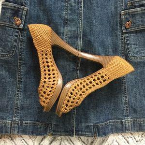 Cute! Anne Michelle Woven Open Toed Heels