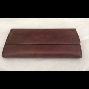 "Banana Republic leather wallet, 7 1/2"" x 4"""
