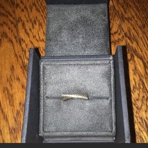 David Yurman Crossover Ring with diamonds worn 1x
