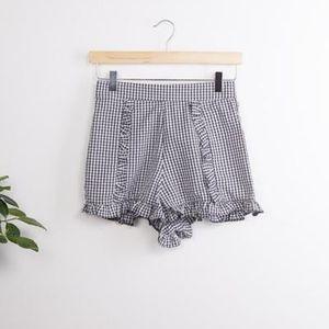 Pants - Gingham ruffle shorts