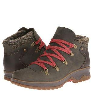 merrell • eventyr bluff waterproof boots