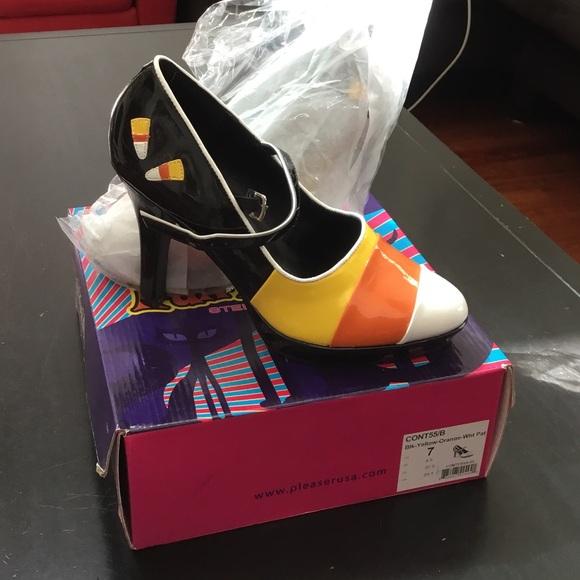 Funtasma scarpe  Halloween  Nib Halloween  Candy Corn Heels   Poshmark c1b817