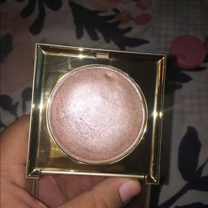 Still Heaven's Hue Highlighter