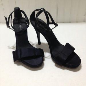 Black Calvin Klein heels size 6.5