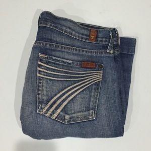 7FAM   Embroidered 7 pocket Light Wash Capris