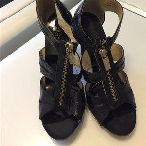 Michael kors zip up heel