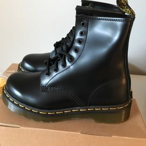 New-Dr Martens 1460 Smooth