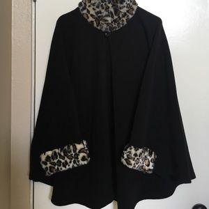 Fleece Cape with Leopard Print Fur