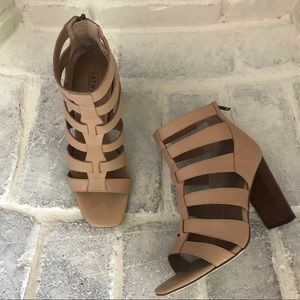 NWOT Atwell 'Preston' Caged Block Heel Sandal