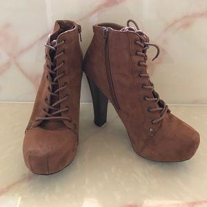 Tan heel boots