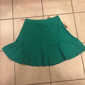 Forever 21 sz small skater skirt