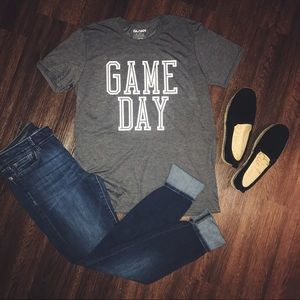 Tops - GAME DAY TEE
