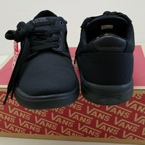 a00a65d159 Vans Shoes - NWT Men s Vans Super Lightweight