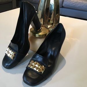 Tory burch black leather heel with gold studded