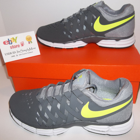 710cee3c3c1 Wide Men Nike Lunar Fingertrap TR 4E - 898065-002