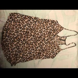Victoria Secret flowy leopard tank😍😍😍