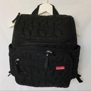 Skip Hop Quilt Black Forma Backpack