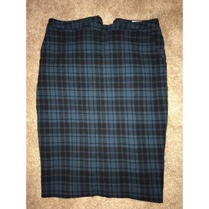 Plaid pencil skirt. size 2. Merona